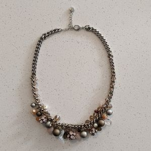 LOFT short chain beaded necklace